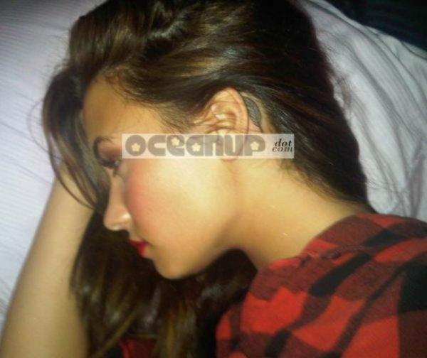 Demi lovato la photo de son tattoo derri re l 39 oreille blog de zoukrachel - Tatouage derriere oreille douleur ...